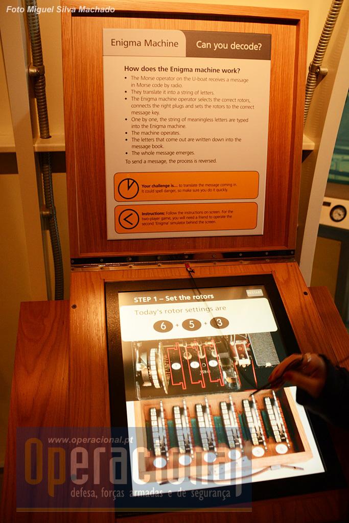 E os visitantes podem tentar a sua sorte a decifrar mensagens.