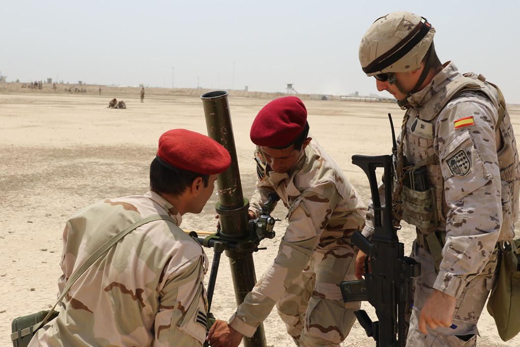 """Formação """"Commandos""""  Iraquianos Foto Ministério da Defesa de Espanha)"""