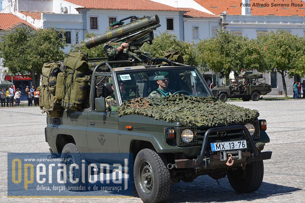 Viatura porta-missil Milan do 2.º Batalhão de Infantaria Páraquedista, aquartelado no Regimento de Infantaria n.º 10 em S. Jacinto/Aveiro