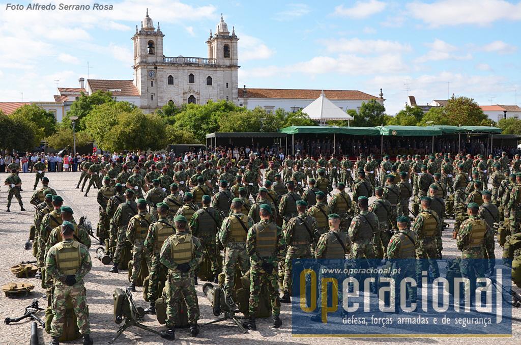 Pessoal e meios de vários pontos do país convergiram para Estremoz, o mais recente Regimento da BrigRR.