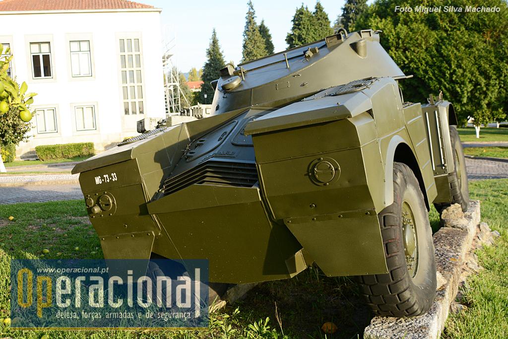 Depois do lote adquirido em França Portugal ainda recebeu mais 32 viaturas muito semelhantes de origem Sul-Africana, a Eland Mk4 4,8 Ton. 6 cm m/1972. Todas elas foram retiradas de serviço em meados dos anos 80.