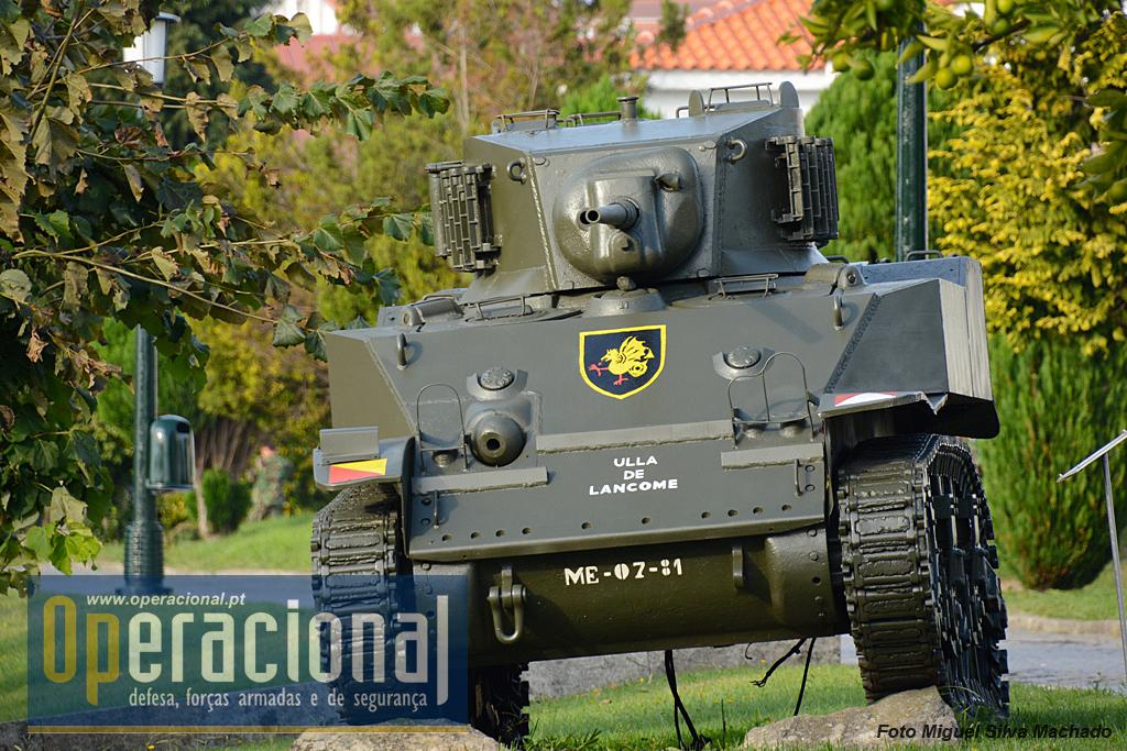 Tinha uma guarnição de 4 militares, velocidade máxima de 64Km/h e autonomia de 160Km. Comprimento 4,33m, largura 2,24m e altura de 2,29m. peso pronto para combate, 15.200Kg. Tinha como armamento 1 canhão de 37mm, e 3 metralhadoras calibre .30 (7,62mm).