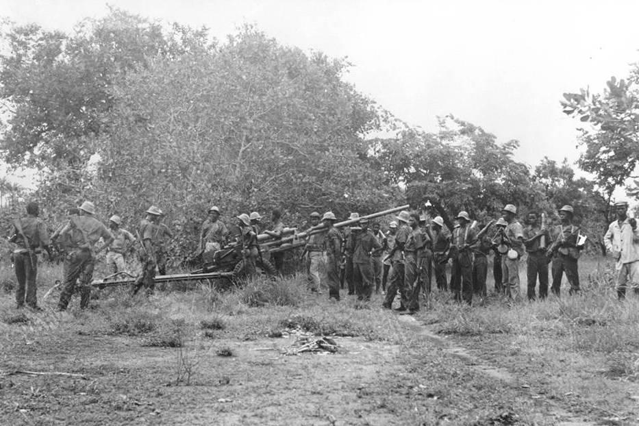 Canhão Zis-2 AC 57 mm pronto para ser atrelado a uma viatura de reboque. Imagem provavelmente relacionada com o ataque a Ganturé cedida pela Fundação Mário Soares.