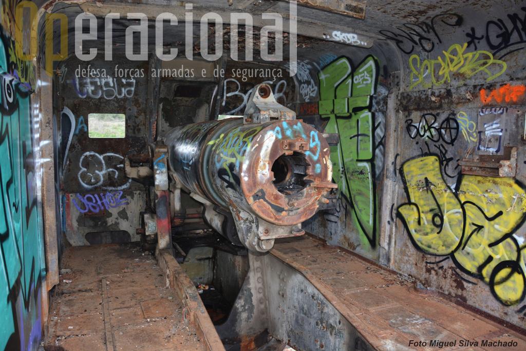 E uma da antiga Bateria da Parede.