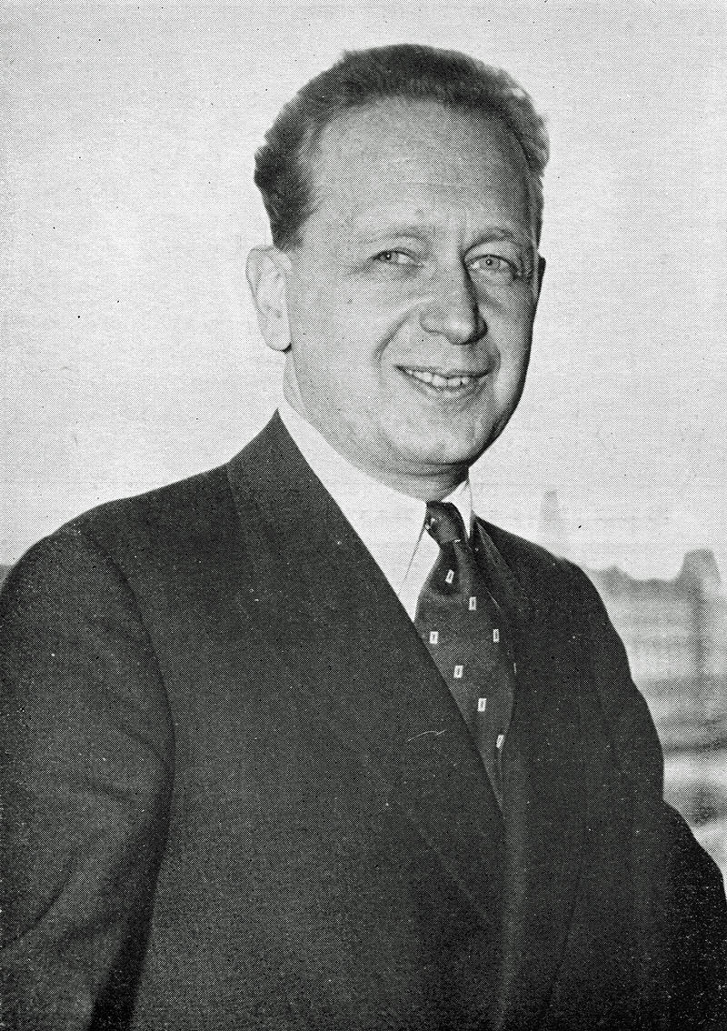 Dag Hammarskjöl. Secretário-geral das Nações Unidas de Abril de 1953 até sua morte em 17 de Setembro de 1961, perto de Ndola, na Rodésia do Norte (hoje Zâmbia), num nunca totalmente esclarecido acidente de avião (foto Wikipédia).