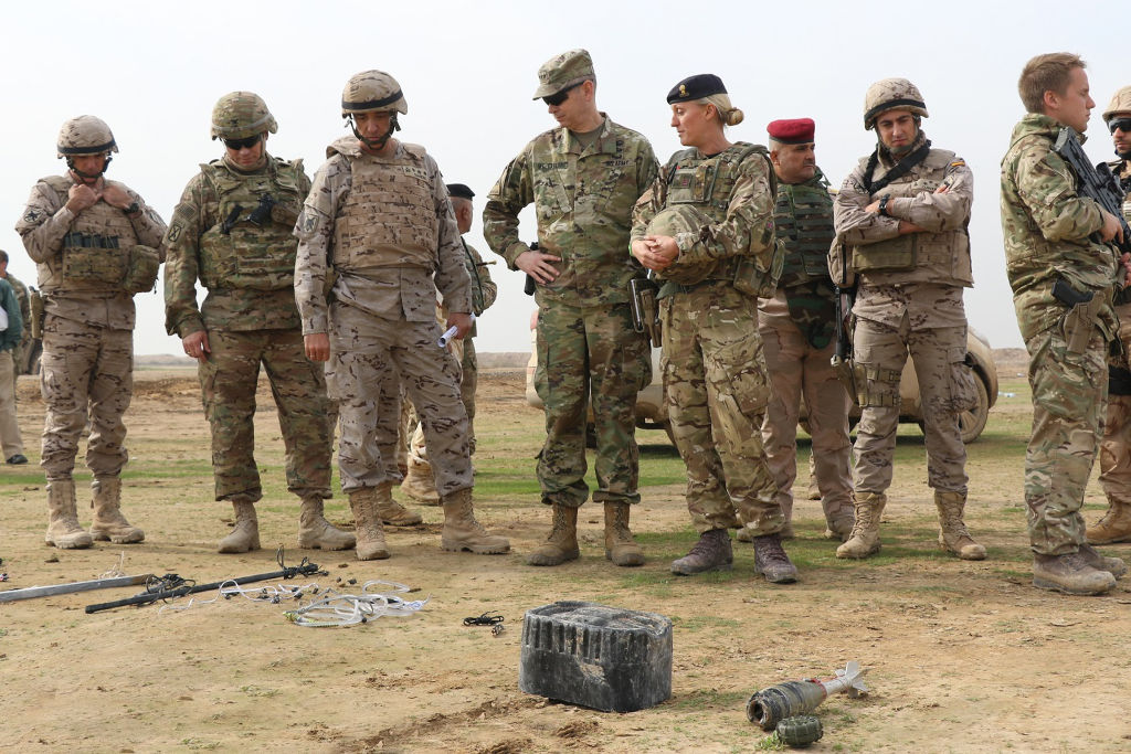 "Visita do tenente-general Sean B. MacFarland (US Army) comandante da ""Combined Joint Task Force, Operation Inherent Resolve"""