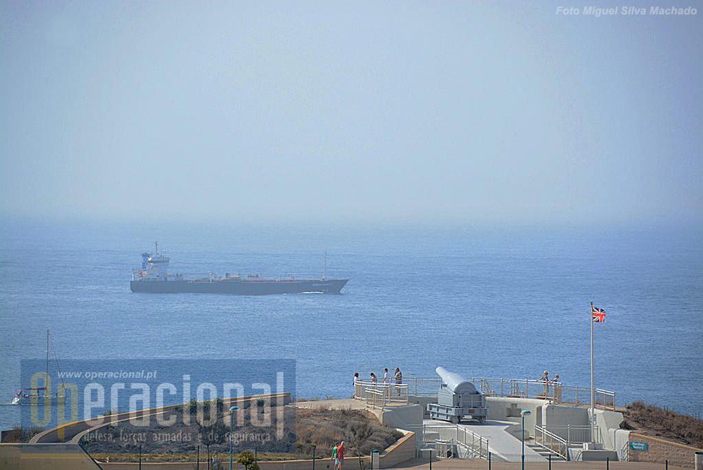 A localização da bateria, no extremo Sul de Gibraltar, tem um campo de visão privilegiado, podendo em dias de boa ou mesmo razoável visibilidade ver-se África e a navegação no Estreito.