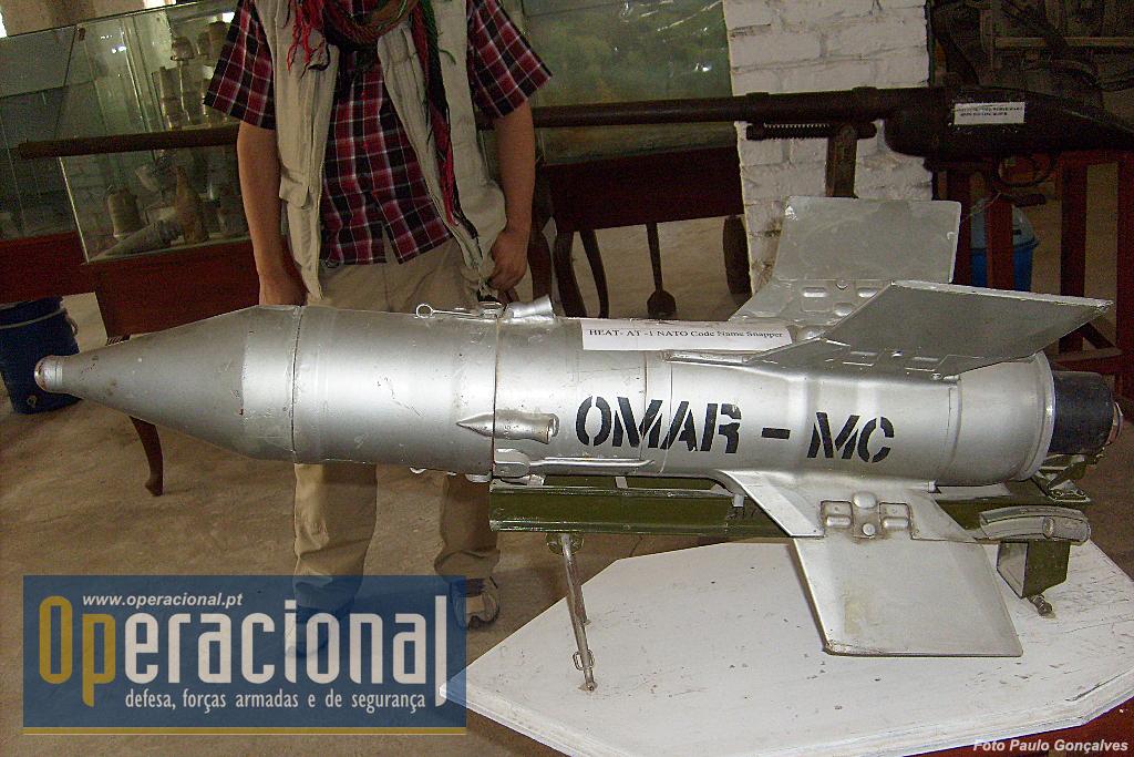 "O míssil filoguiado anti-carro AT-3 ""SAGGER"", por sinal mal identificado no museu como AT 1 ""SNAPPER""."