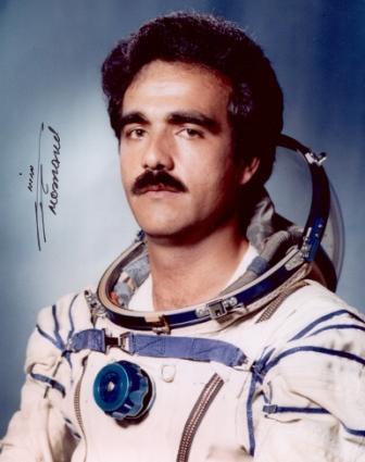 O cosmonauta afegão - Coronel Abdul Ahad Momand - motivo de orgulho aeroespacial Afegão (foto colecção Paulo Gonçalves)