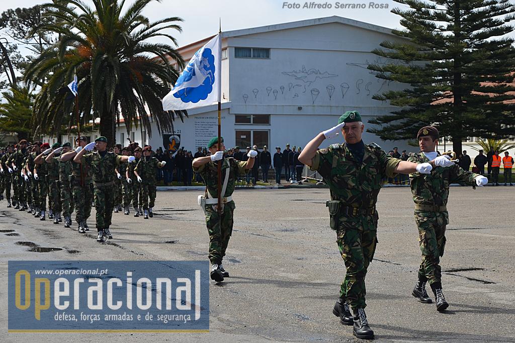 As forças em parada sob o comando do Tenente-Coronel Vítor Patrício, estavam compostas por: Porta-Estandarte Heráldico do RI 10; Fanfarra do Exército - Destacamento de Coimbra; Companhia de Comando e Serviços do RI 10; 2.º Batalhão de Infantaria Pára-quedista (Comando, Módulo de Apoio, 21 .ª Companhia de Comando e Serviços, Companhia de Pára-quedistas); Banda do Exército - Destacamento do Porto; 23.ª Companhia de Pára-quedistas (não integra a FND - Kosovo); Viaturas orgânicas de FND - Kosovo (viaturas tácticas rodas Toyota; viaturas blindas ligeiras M-11; viaturas blindas de transporte de pessoal Pandur II 8x8).