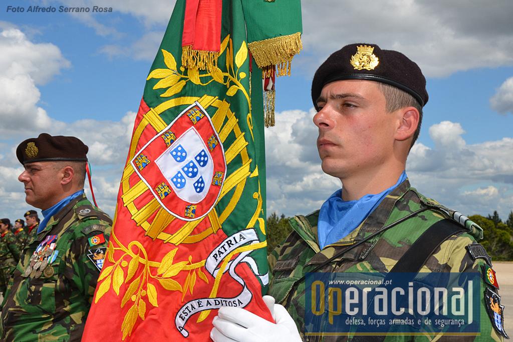 O Estandarte Nacional da Brigada Mecanizada