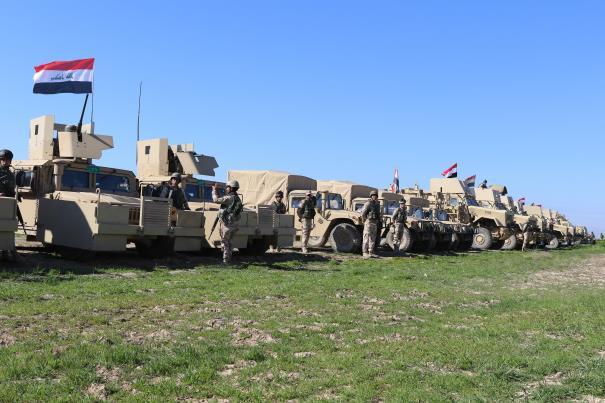 Elementos e material da Brigada 72 antes de iniciarem o movimento para a zona de conflito.