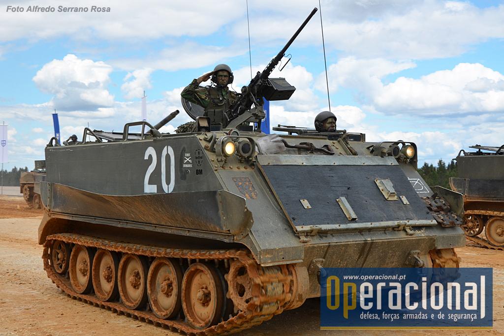 """O veterano """" M113"""", no Exército Português designado """"Auto Blindado Lagartas TP 12 M113A1/2 M76 a 90"""""""