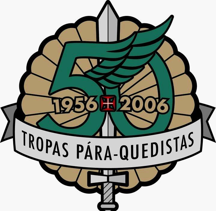 O logotipo criado para o 50.º aniversário das Tropas Pára-quedistas Portuguesas em 2006.