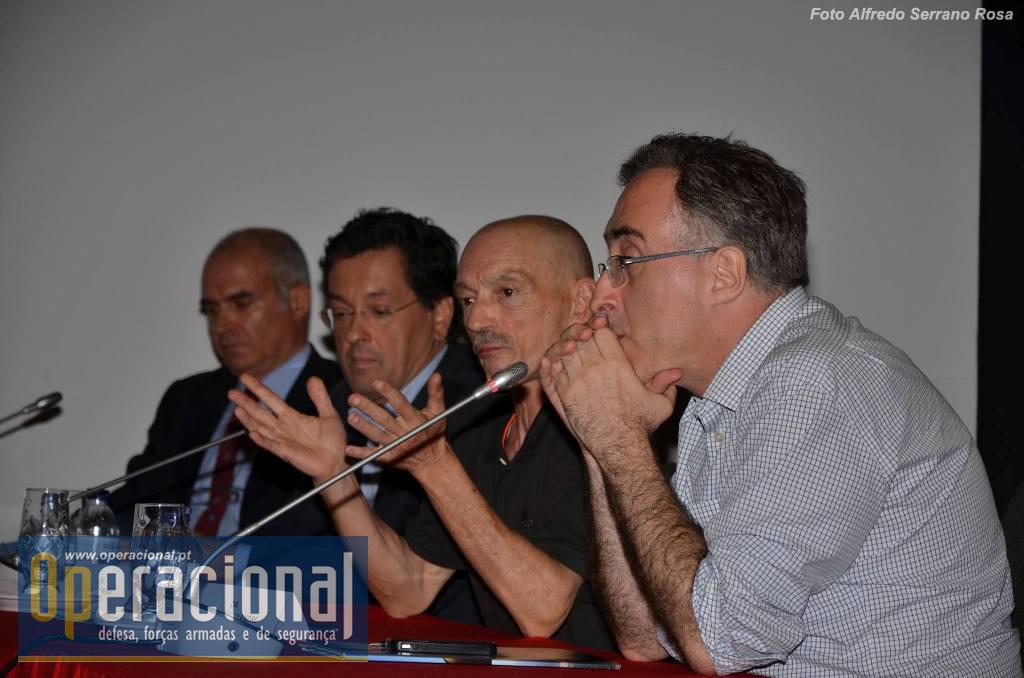 Da direita: Ricardo Alexandre (RTP/RDP); Carlos Santos Pereira; Aurélio Faria (SIC); TCor. Miguel Silva Machado