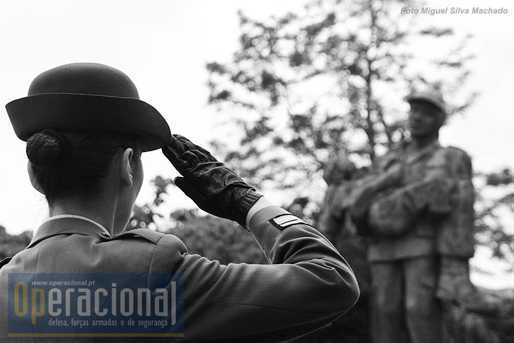 """90ª aniversário do Núcleo de Torres Vedras da Liga dos Combatentes e o 14º aniversário do """"Monumento aos Torrienses Mortos na guerra do Ultramar"""""""