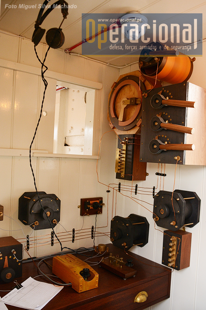 Os sistemas de comunicações da época foram reconstruídos.