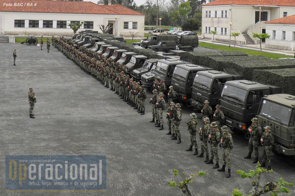São 120 militares que de Julho a Outubro de 2016 serão a face visível de Portugal na Lituânia. Felicidades e sorte!