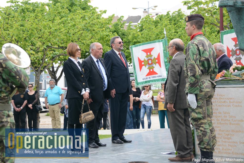 Ao centro o Coronel Faustino Hilário, Secretário-Geral da Liga dos Combatentes, que presidiu ao acto.