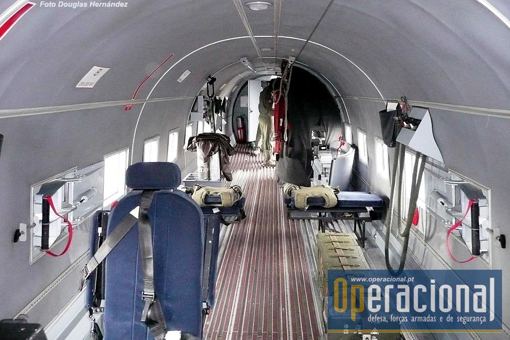 Esta imagem inicialmente publicada na Segurança & Defesa, foi a primeira vez que uma imagem panorâmica do interior de um dos AC-47T colombianos foi divulgada.