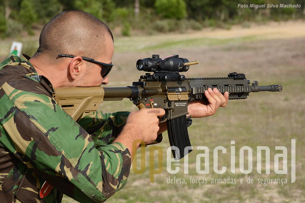 A HK 416, calibre 5,56mm parece bem posicionada para ser a futura arma individual das Forças Armadas Francesas.