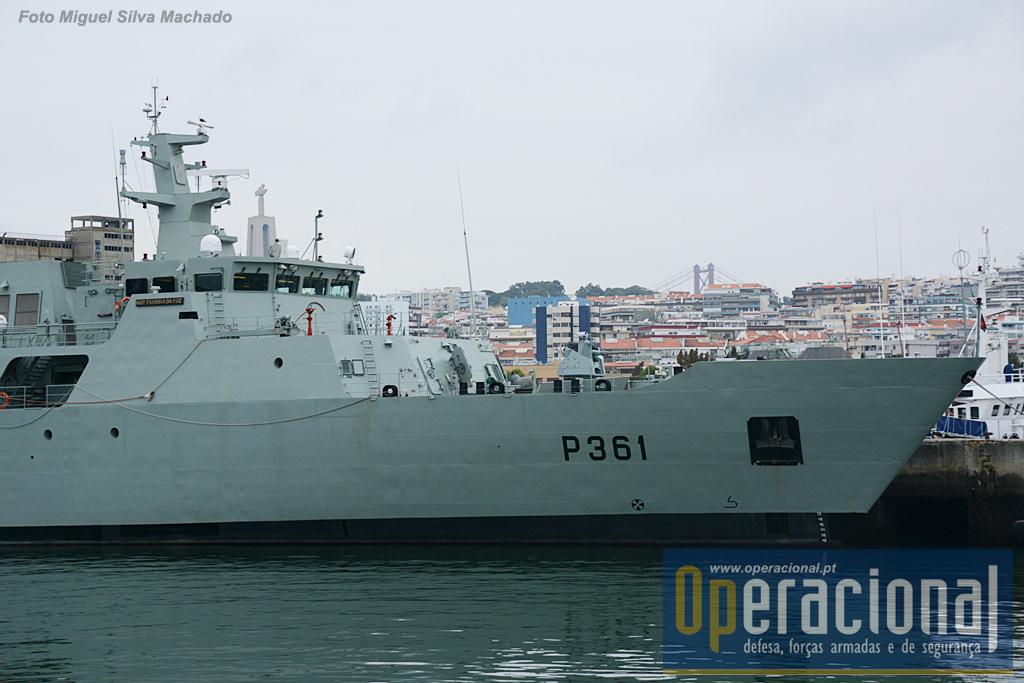 Cais 5 da Base Naval de Lisboa, no Alfeite, o NRP FIGUEIRA DA FOZ , 21 de Outubro de 2016.