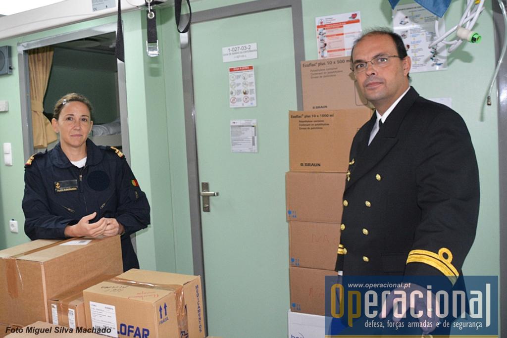 """A CTen Médica Naval Filipa , com a enfermaria """"atulhada"""" de medicamentos acabados de chegar."""
