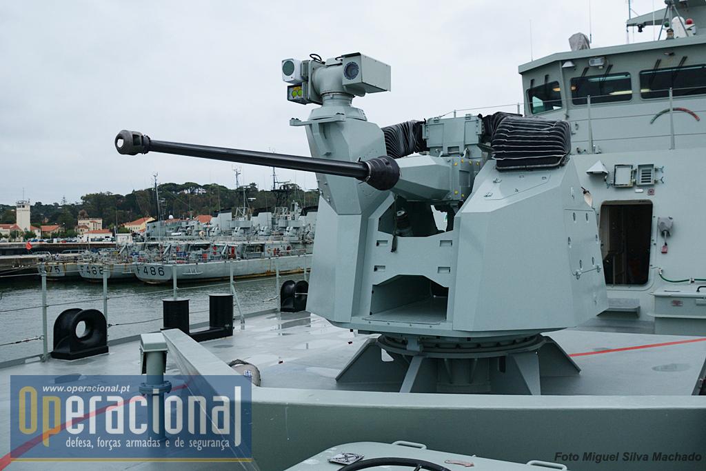 OTO Melara Marlin-WS (Modular Advanced Remotely controlled Lightweight Naval Weapon Station). Trata-se de uma peça de artilharia 30mm, com controlo remoto. Pode ser operada de uma consola na ponte de comando do navio, ou, em caso de necessidade junto ao sistema. Tem estabilizador, capacidade de tiro diurno e nocturno contra vários alvos.