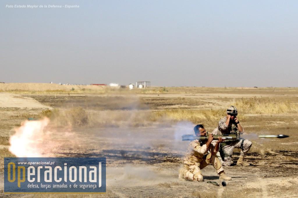 Todo o armamento, individual e colectivo, destas unidades do Exército Iraquiano é de origem americana.