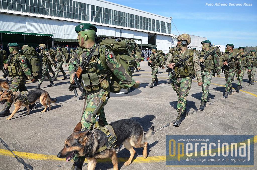 O Batalhão de Apoio Aeroterrestre do Regimento de Paraquedistas