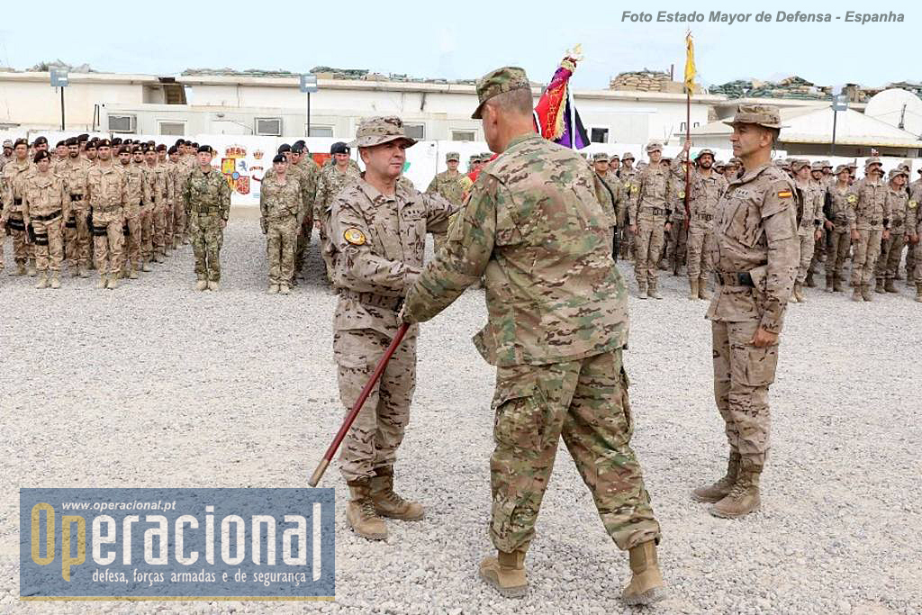 A Transferência de Autoridade entre os dois Contingentes espanhóis fez-se na presença de forças de Portugal, Reino Unido, EUA e Espanha.