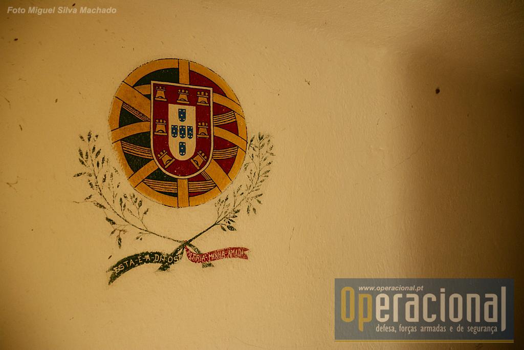 """Em vários locais utilizados pelos militares do DMA, sobrevivem exemplares de...""""street art""""!"""